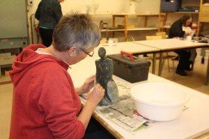 De Werkplaats van Creatief Collectief Elst waar de lessen beeldhouwen plaats vinden.