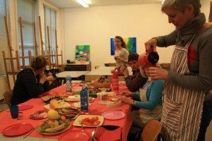 Tijdens een dagworkshop krijg je een uitgebreide en gevarieerde lunch. Met dieetwensen wordt uiteraard rekening gehouden.